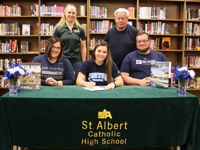 Alesha Johnson signs to play volleyball at Iowa Central February 2019