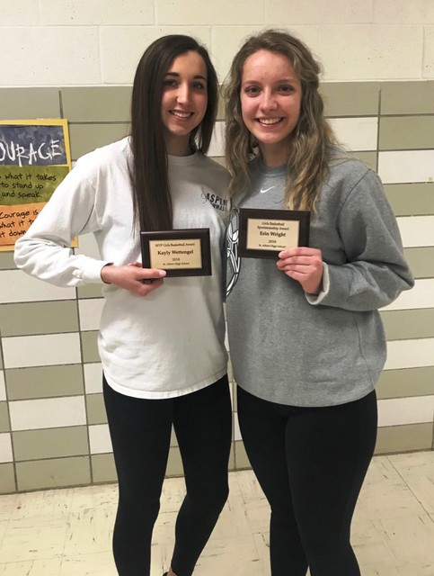 2018 Saintes Basketball MVP Kalyn Wettengel and Sportsmanship Winner Erin Wright