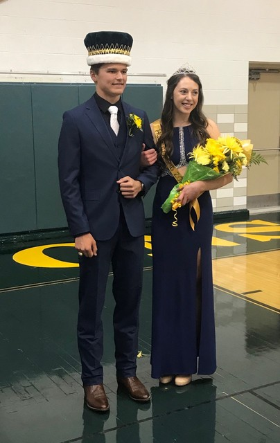 2018 Homecoming King Luke Blaha and Queen Bailey White