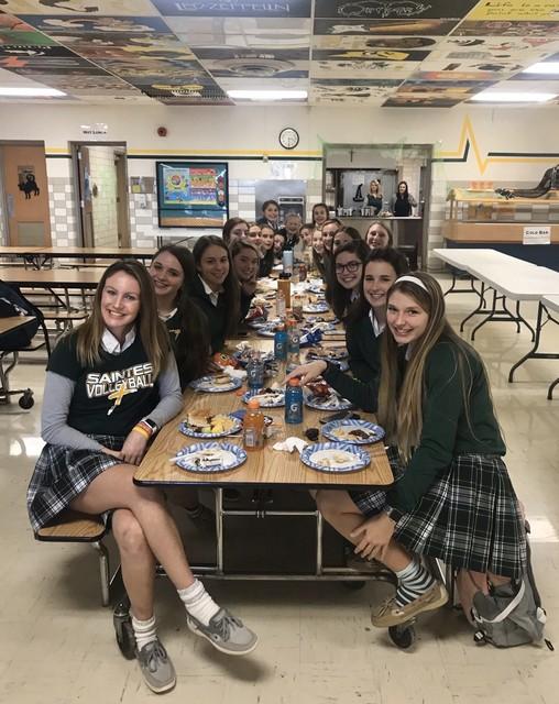 2019 Saintes Volleyball Senior Night Pregame Dinner