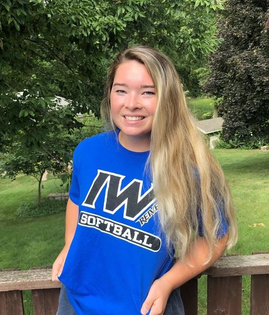 Shelby Hatcher signs with Iowa Western Softball 1