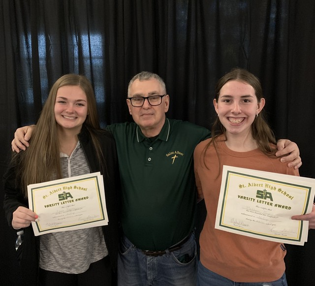 2021 Ken Mehsling Saintes Bowlers of the Year Alexis Narmi and Madilynn Myers