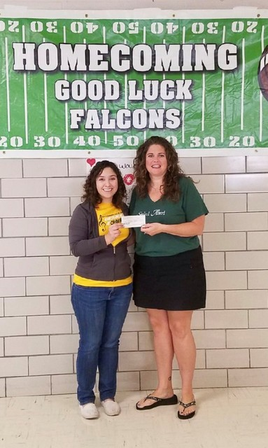 St. Albert Alumni & Friends gives $500 to the 2017 Fall Musical