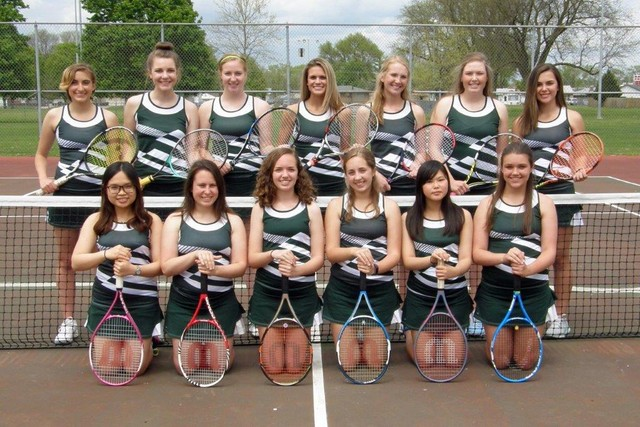2017 Saintes Tennis Team Photo