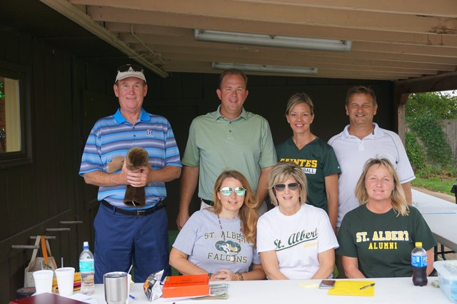 Steve O'Neill, Charlie Narmi, Terri & Jim Blaha, Jen Brown, Amy Rallis and Mary Hilderbrand